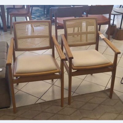 Cadeira Helena 02 New com Braço Madeira Damasco Tecido 1244